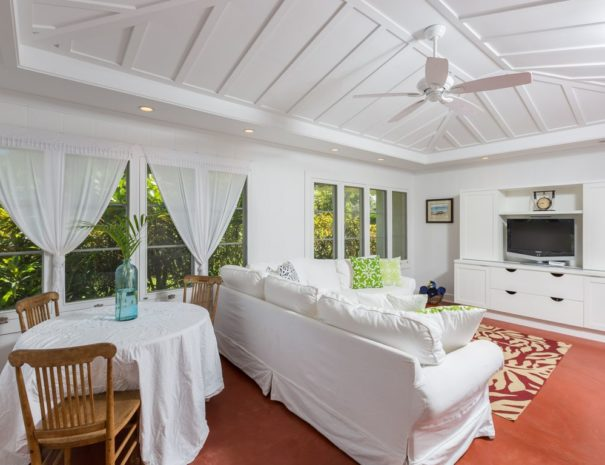 Lanikai Cottage in Kailua, Oahu. Vacation Home Rental
